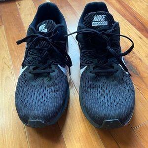 Nike Womens Zoom Winflo 5 Running Shoes